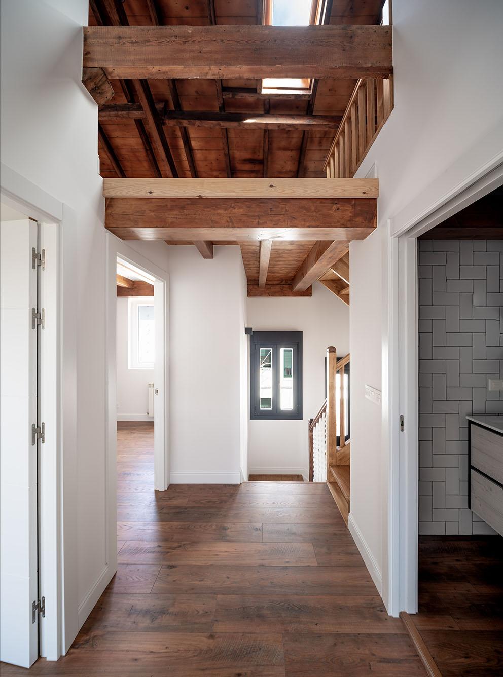 Imagen de rellano, Fotografía de arquitectura - Reportaje fotográfico de vivienda en Getxo