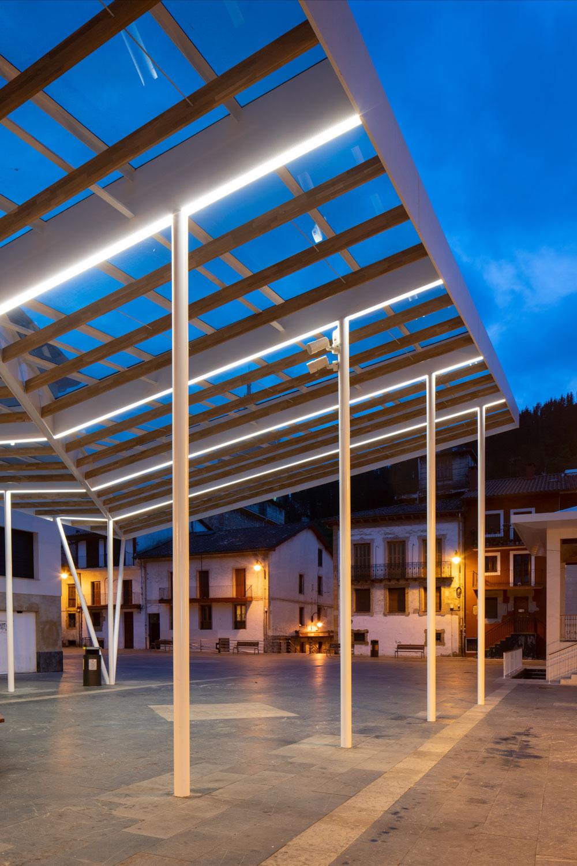 Cubierta de Plaza en Ermua - Biderbost Photo